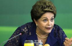 Dilma tenta bolada milionária de 'perseguida' por pedir demissão como estagiária