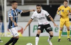 Corinthians tem dois expulsos, mas arranca empate contra o Grêmio