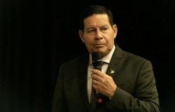 Mourão condena reeleição de Maia e Alcolumbre: 'Não pode!'