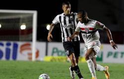 Com gols 'Made in Cotia', São Paulo atropela Galo e reabre 7 pontos na liderança