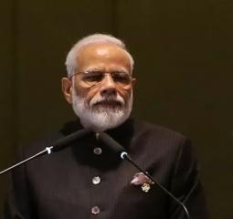 Premiê indiano diz que país é autossuficiente em produção de vacinas