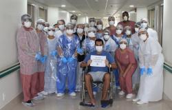 Brasil ultrapassa os 9 milhões de curados, enquanto vacinação avança
