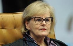 Rosa Weber dá 5 dias para Bolsonaro explicar decretos que flexibilizaram compra de armas
