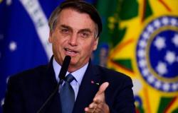 'Advogados conservadores' ameaçam processar quem ofender Bolsonaro
