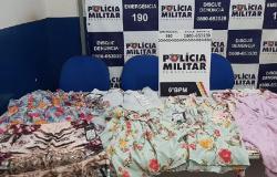 Abordadas, mulheres confessam furto de roupas em loja na área central de Cáceres