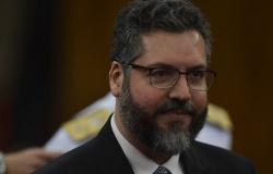 Em vídeo, Ernesto Araújo anuncia parceria entre Brasil e Israel no combate à Covid-19