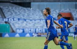 Cruzeiro vence Athletic no Mineirão