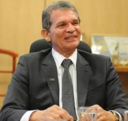 Petrobras oficializa general Silva e Luna na presidência da estatal