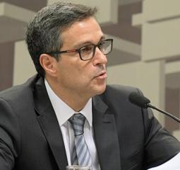 Bolsonaro estende até 2024 mandato de Roberto Campos Neto como presidente do Banco Central