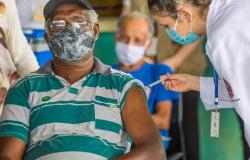 Brasil chega ao 100º dia de vacinação com 40 milhões de doses aplicadas