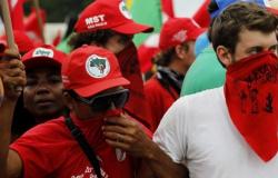 'Acabamos com repasses de ONGs ao MST', diz Bolsonaro