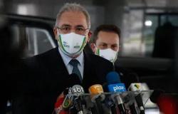 Brasil assina nesta semana acordo para compra de 100 milhões de doses da vacina da Pfizer, anuncia Queiroga