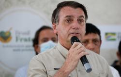 """Bolsonaro: """"Será que não estamos enfrentando uma nova guerra? Qual o país que mais cresceu seu PIB?"""""""