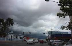 Meteorologia emite alerta de tempestades para 107 cidades de Mato Grosso