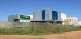 abandono marca a construção do Hospital Regional