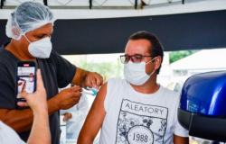 Vacinação contra a Covid-19 vai cobrir todas as faixas etárias com comorbidades até o próximo sábado, 10/4