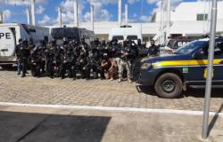 Mais de 170 presos são transferidos nesta manhã de terça-feira, para o novo presídio de Jaru