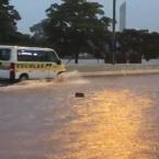 Chuva causa alagamentos, fecha marginais e afeta circulação de trens e ônibus