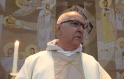Bandidos invadem igreja durante a Santa Missa e cometem assalto.  Padre pediu socorro através da live