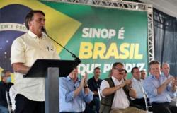 """Bolsonaro: """"Conversinha mole de ficar em casa é para os fracos"""""""
