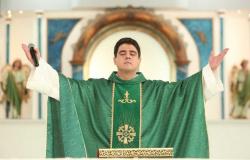 Padre Robson recebe apoio de fiéis nas redes sociais após Justiça interromper ação por suspeitas de desvios na Afipe