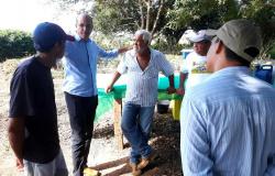 #AGRO | Ismael Crispin participa de Dia de Campo em São Miguel do Guaporé e questiona data de realização do evento