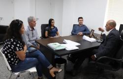Ismael Crispin recebe visita do diretor geral da Câmara Municipal de São Miguel do Guaporé