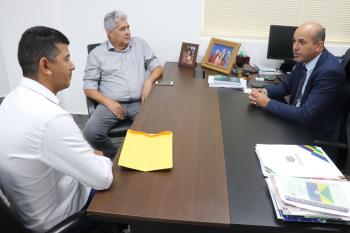 Ismael Crispin recebe prefeito de Alvorada do Oeste