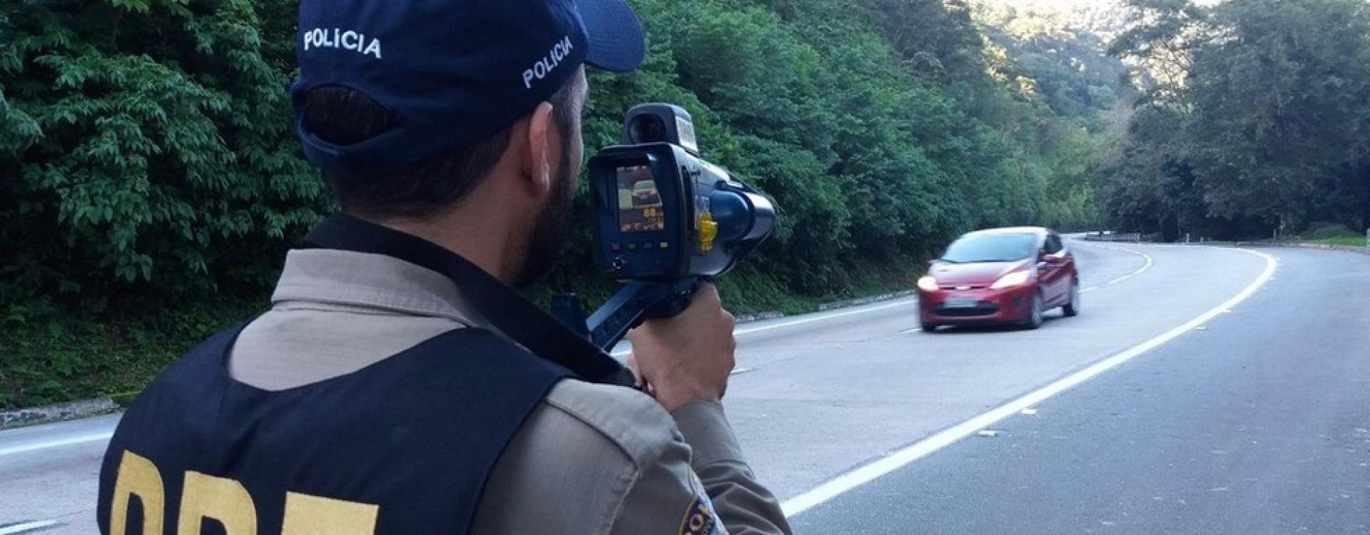 Projeto que proíbe policiais rodoviários de ficarem escondidos com radares móveis em rodovias de MT é aprovado por AL
