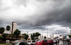 Primeira chuva após quase 4 meses de seca em Cuiabá deve acontecer na segunda-feira (21)