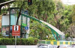 Homem em situação de rua é encontrado morto em praça de Cuiabá