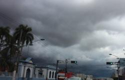 Cuiabá e VG registram chuva isolada na noite desta quarta