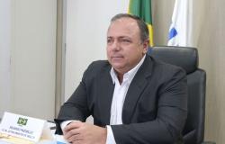 Volume de vacinas ainda é insuficiente para atender o Brasil