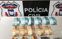 Três pessoas são detidas com drogas e apetrechos utilizados no tráfico