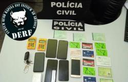 Jovem é preso com documentos falsos e cartões de crédito de servidores públicos de MT