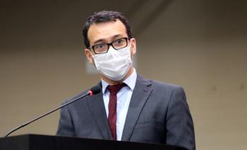 Falsos dilemas levaram Mato Grosso a ter a 3ª maior mortalidade por covid-19 do país, diz Lúdio