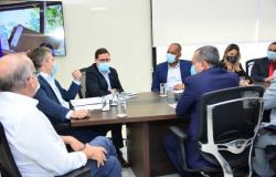 Vereadores participam de reunião com governo e destacam importância do debate sobre mudança de modal
