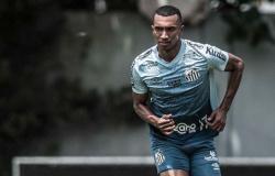 """Lucas Braga quer reação do Santos contra o Novorizontino: """"Temos que nos levantar"""""""