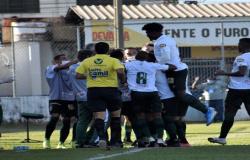 América goleia de 5 a 0 e garante clássico na semifinal do Mineiro