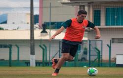 Elenco do Figueirense realiza trabalhos físicos no CFT