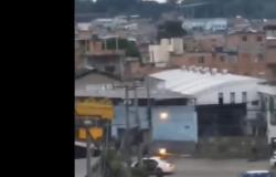 """Vídeo flagra """"espírito ceifador"""" em meio a tiroteio de policiais e bandidos"""