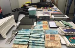 Polícia Civil fecha escritório de estelionato em Cuiabá, prende três e recupera R$ 117 mil de vítima