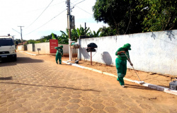 Prefeitura realiza ações de limpeza na zona rural e em distrito de Várzea Grande