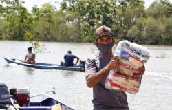 Agricultores da comunidade do Baixio atingidos pela cheia recebem cestas de alimentos do Programa Agro Fraterno
