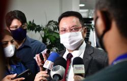 Botelho diz que proposta da Previdência deve ser votada antes do recesso