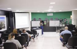 Servidores da Câmara participam de palestra sobre emendas impositivas