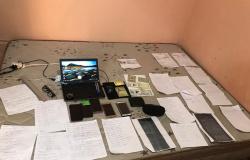 Dois suspeitos são presos tentando tirar motocicleta do pátio da Semob usando documento falso