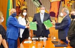 Paulo Guedes: reforma vai tributar rendimentos de capital e dividendos
