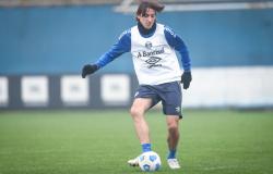 Grêmio finaliza preparação para enfrentar o Palmeiras e viaja para São Paulo