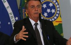 Bolsonaro sanciona MP da Eletrobras com 14 vetos